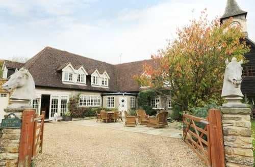 Last Minute Cottages - Splendid Rugby Cottage S86969