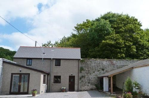 Last Minute Cottages - Charming Porthcawl Cottage S87495