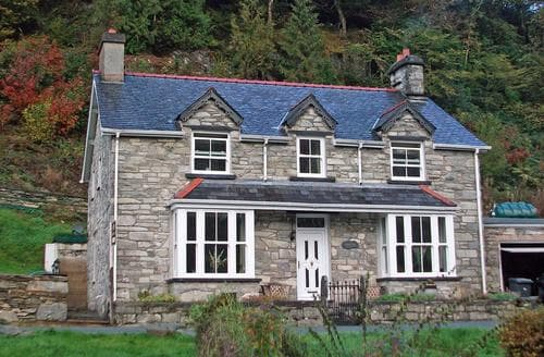 Last Minute Cottages - Excellent Betws Y Coed Cottage S87500