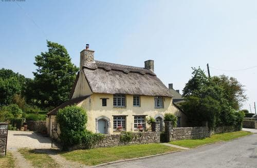 Last Minute Cottages - Bwthyn y Fro