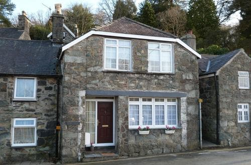 Last Minute Cottages - Drws y Nant