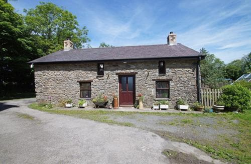 Last Minute Cottages - Ty Clyd