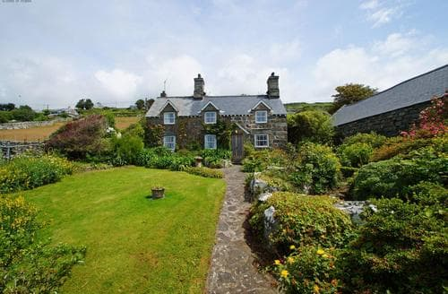 Last Minute Cottages - Tasteful Barmouth Cottage S87596