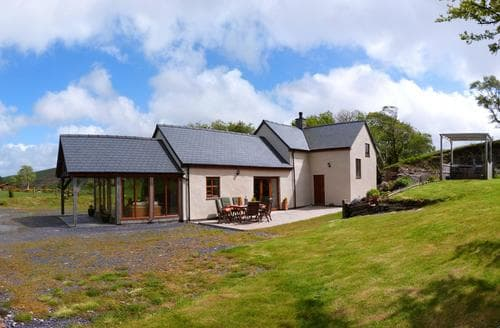 Last Minute Cottages - Cosy Denbigh Cottage S87634