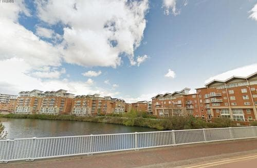 Last Minute Cottages - Cardiff Bay Apartment