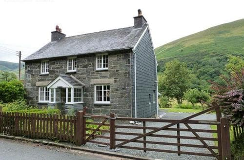 Last Minute Cottages - Maesmor