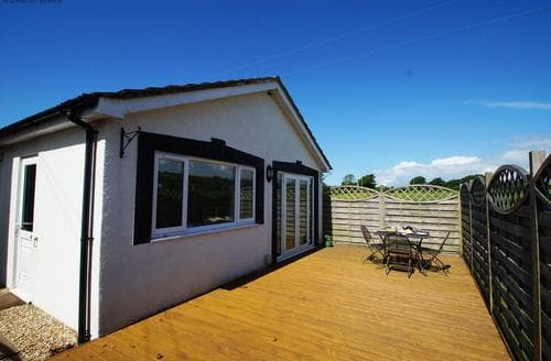 Last Minute Cottages - Bwthyn Ty'n Cae