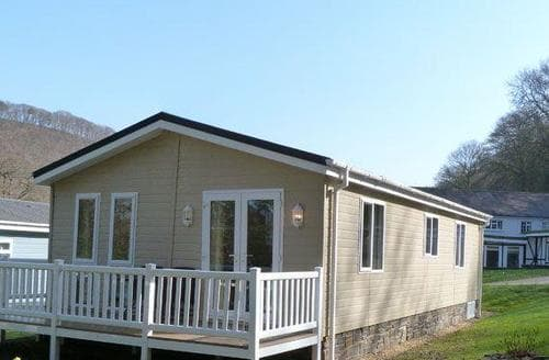 Last Minute Cottages - Attractive New Quay Lodge S87655