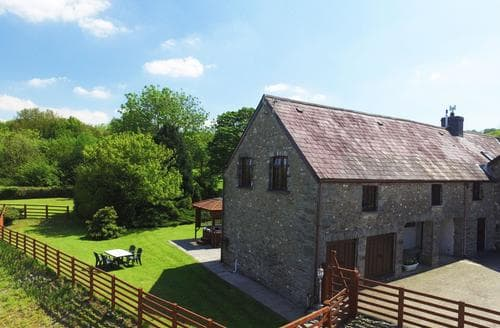 Last Minute Cottages - Cwmtywi