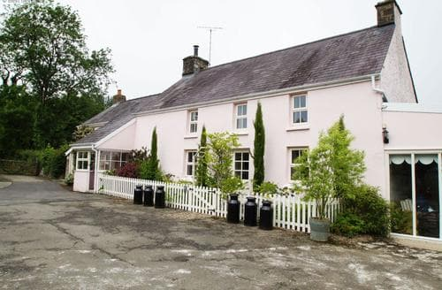 Last Minute Cottages - Stunning Cardigan Cottage S87663