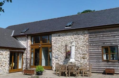 Big Cottages - Stunning Builth Wells Lodge S87664
