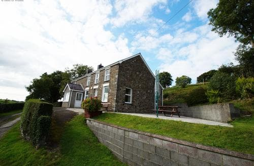 Last Minute Cottages - Gwynnant