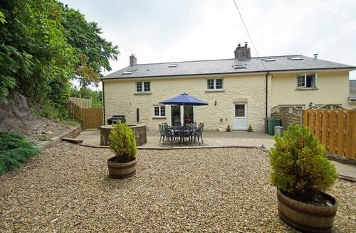 Last Minute Cottages - Ffermdy'r Groes