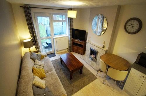 Last Minute Cottages - Cardiff Hideaway