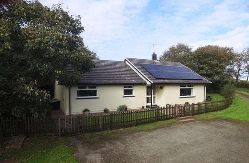 Last Minute Cottages - Bryn Hebog
