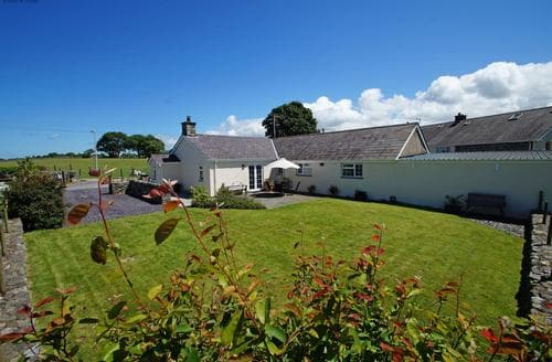 Last Minute Cottages - Beautiful Caernarfon Cottage S87693