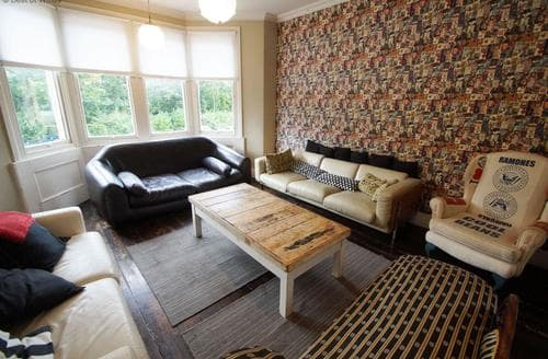 Last Minute Cottages - Cardiff Boutique Townhouse