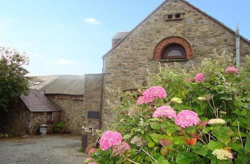 Last Minute Cottages - Stunning Solva Apartment S87709