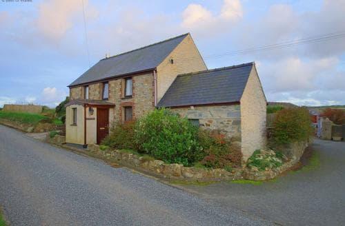 Last Minute Cottages - Delightful St Davids Cottage S87716