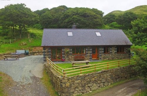 Big Cottages - Tasteful Aberdyfi Lodge S87720