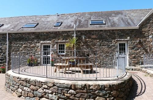 Last Minute Cottages - Attractive Abersoch Apartment S87743