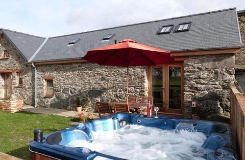 Last Minute Cottages - Stabal Llew Coch