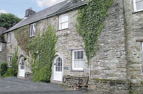 Last Minute Cottages - LADY MODYFORD HALL