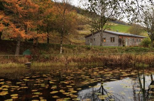 Last Minute Cottages - Exquisite Llanidloes Lodge S87789