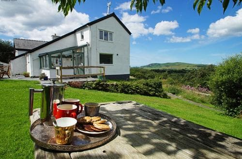 Last Minute Cottages - Llwyn Crug