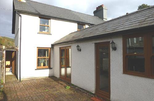 Last Minute Cottages - Bwthyn yr Eglwys
