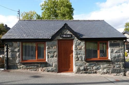 Last Minute Cottages - Cosy Trawsfynydd Cottage S87801