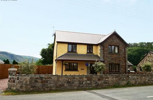 Last Minute Cottages - Charming Swansea Valley Cottage S87807