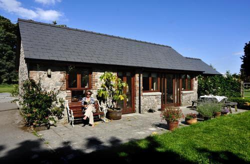 Last Minute Cottages - Dan-y-Graig