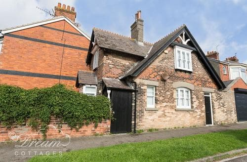 Last Minute Cottages - The Coachman's House