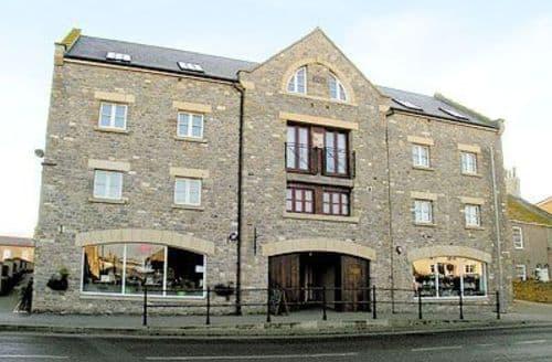 Last Minute Cottages - Charming Bridport Apartment S19709