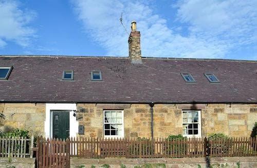 Last Minute Cottages - Excellent Bamburgh Cottage S89127