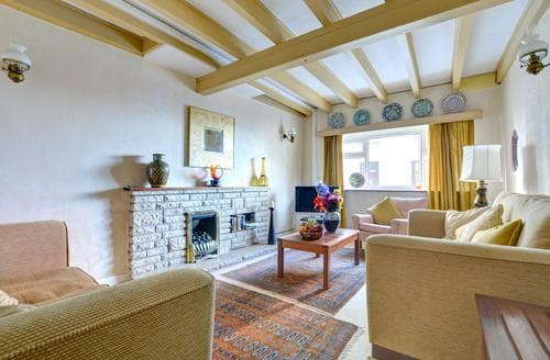 Dog Friendly Cottages - Captivating Tenby Cottage S89197