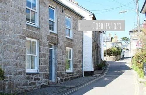 Last Minute Cottages - Cobbles Loft