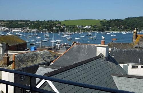 Last Minute Cottages - Luxury Falmouth Apartment S89226