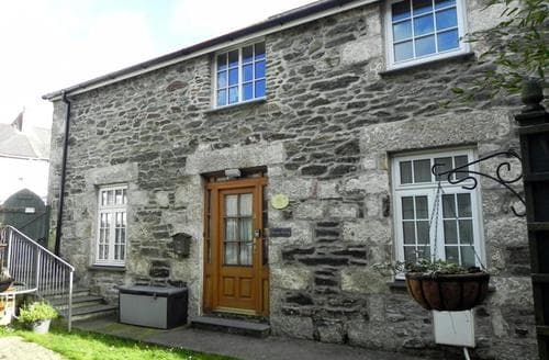 Last Minute Cottages - Cosy Porthleven Cottage S89275
