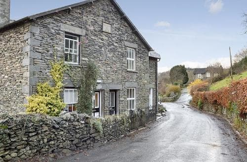 Last Minute Cottages - Wonderful Bowness On Windermere Cottage S89460