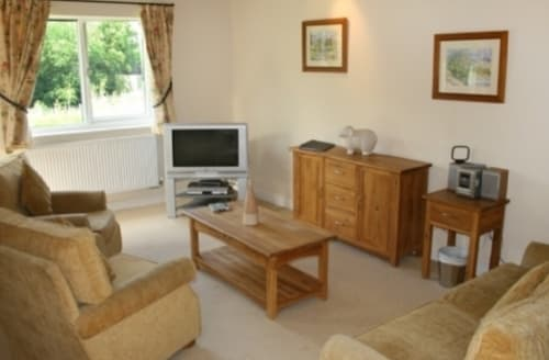 Last Minute Cottages - Beautiful Berrier Cottage S89795