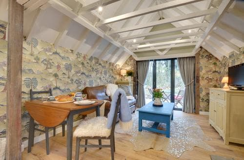 Last Minute Cottages - Lovely Rochester Cottage S90070