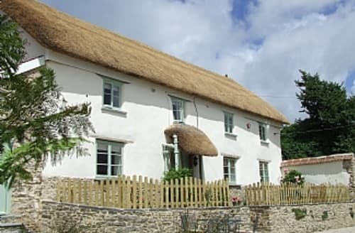 Big Cottages - Pretty Thatched Cottage