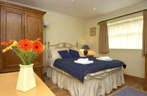 Last Minute Cottages - Cosy Chipping Cottage S90539