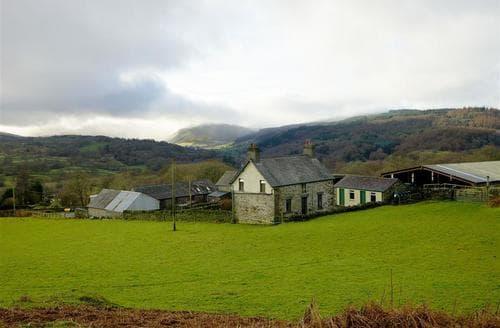 Last Minute Cottages - Penrhyddion Ucha