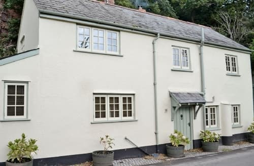 Last Minute Cottages - THE TOLL HOUSE