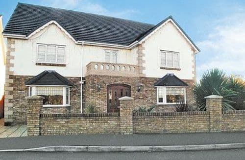 Big Cottages - Wonderful Llanelli Cottage S21731