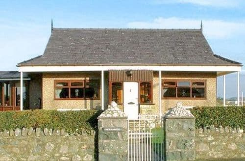 Last Minute Cottages - Tasteful Caernarfon Cottage S22197