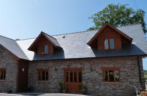 Last Minute Cottages - Beautiful Brecon Lodge S87599